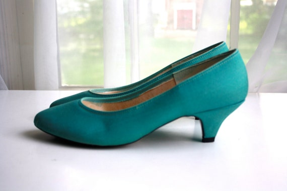 Vintage 1970s Turquoise Heels by HudsonClassics on Etsy