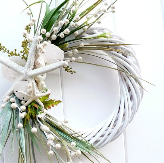 Beach Wreath Classic White