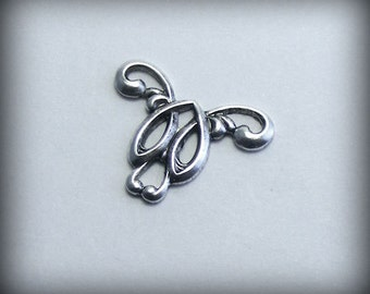 LuxeOrnaments Oxidized Sterling Silver Plated Filigree Art Nouveau Connector (2 pcs) 20x15mm G-5721