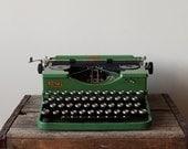 SALE - 1930's Antique Green Royal Portable Vintage Typewriter - RARE