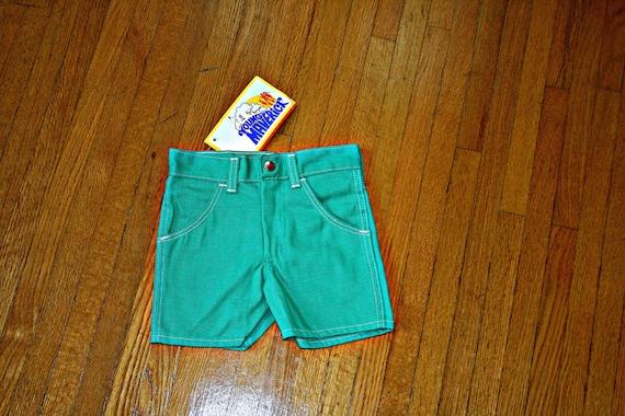 70s RETRO Vintage GREEN Children Shorts....size 6 kids....bright. 70s clothing. retro shorts. kids shorts. green