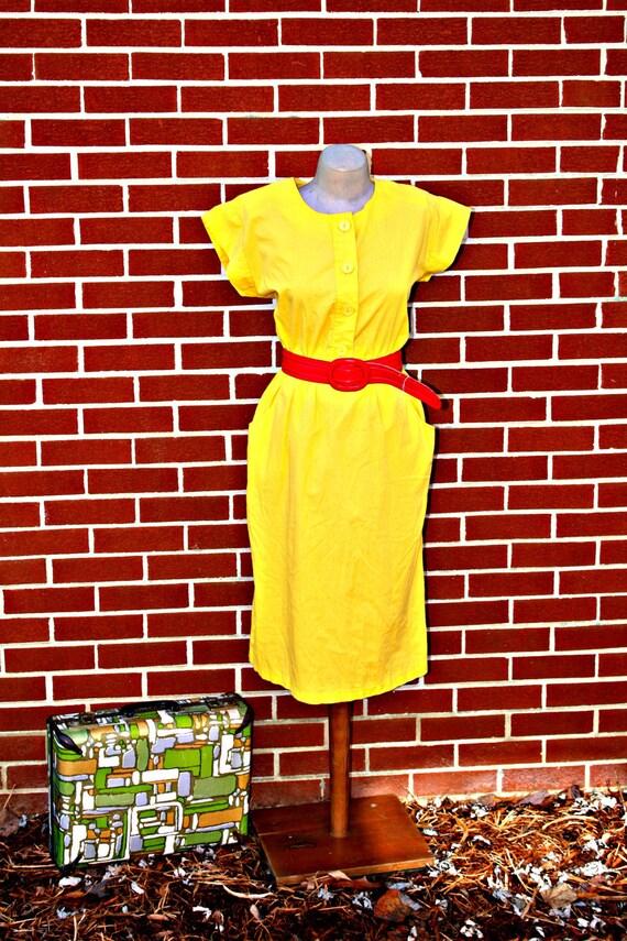 60s BANANA YELLOW Vintage Mod Day Dress with Pockets.....size small to medium....mod. retro. 60s dress. yellow. bright.