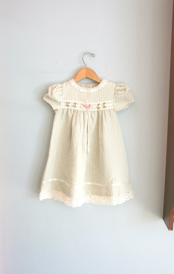 Vintage BONNIE JEAN Flower Child Ribbons and LACE Dress....size 4T size 4 girls....kids. flower girl. ribbons. green. pink. princess