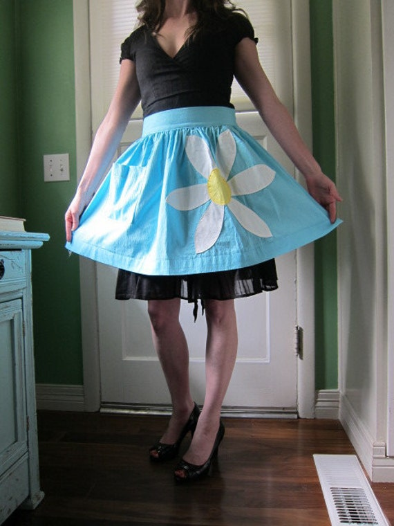 Bright Blue Apron with Large White Daisy