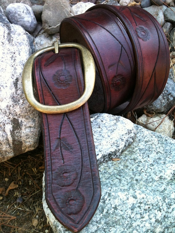 Hand-Carved Mulberry Vine Leather Belt