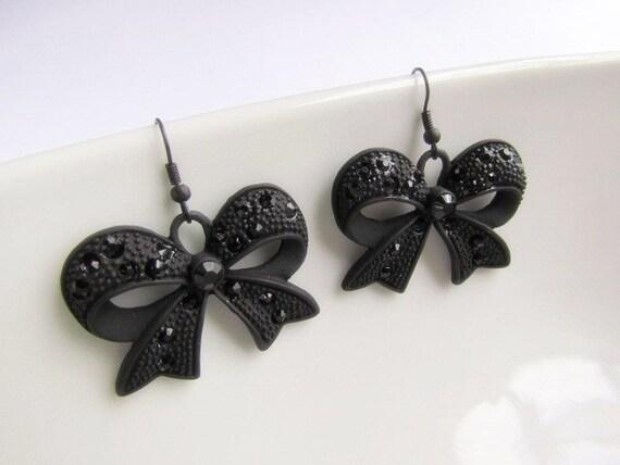 Cool Black Bow Earrings