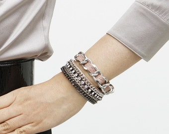 Chic Leather Bracelet (Pale Pink)