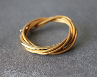 Leather Wrap Bracelet with Gold Metal Ornament(Gold Pearl)