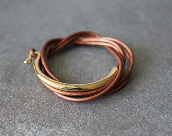 Leather Wrap Bracelet with Gold Metal Ornament(Pearl Brown)