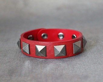 Big Pyramid Stud Leather Bracelet(Red)