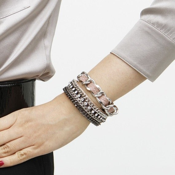 Chic Leather Bracelet (Pale Pink)
