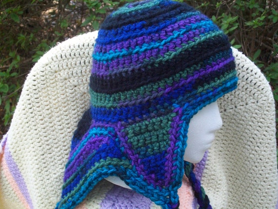 Mountaineer ski hat in vibrant shades of purple and blue