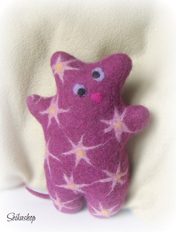 Felted purple cat. Wool cat. Eco-friendly toy. Cutest girlish Valentine's gift. Lilla
