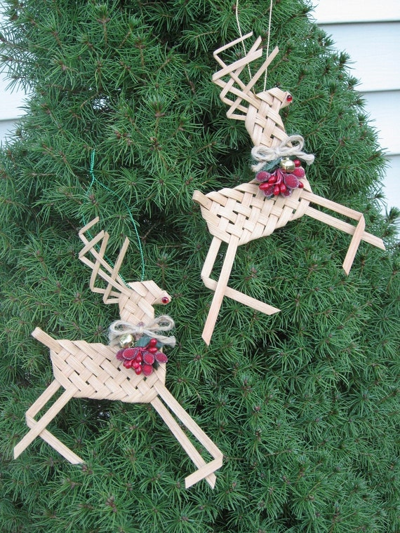 woven reindeer ornaments set of 2 made from basket reed