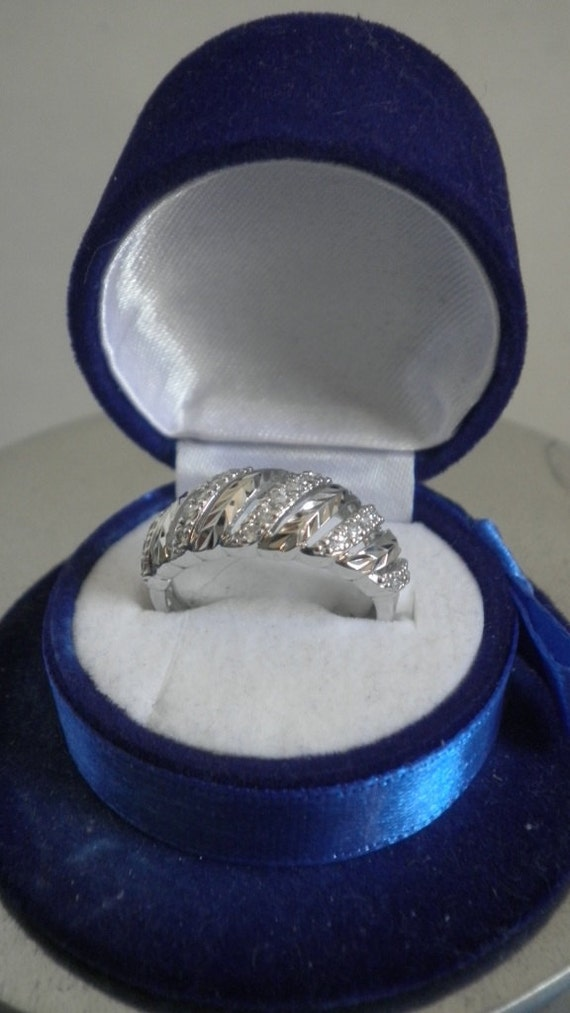 Vintage Sterling Cubic Zirconium woman Band Ring