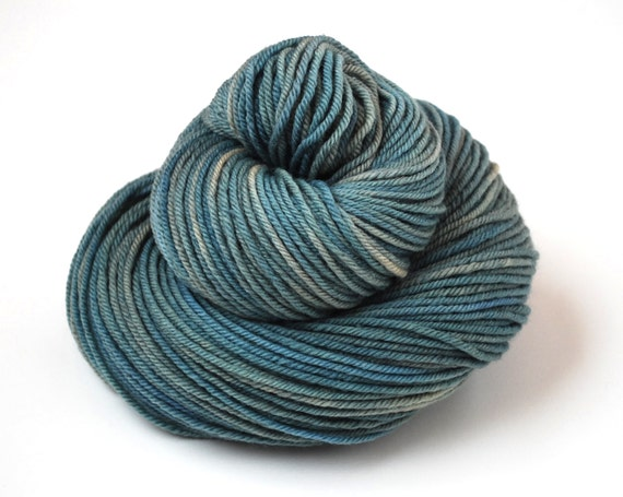 Hand Dyed Yarn Organic Merino Worsted Weight Naturally Dyed in Underwater 2