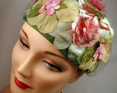 Hat 1950's Shabby Chic, Faerie Garden, Beautiful Flowers, Gorgeous Colors Beige, Teal, PInk, Green