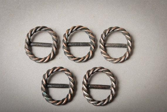 Set of 5 Vintage metal belt buckles.