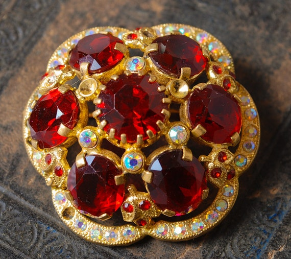 Vintage brooch, with red glass rhinestones