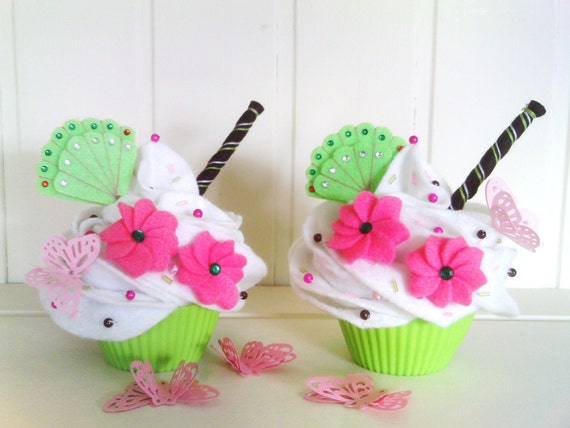 A set of 2 beautiful shabby chic felt cupcakes