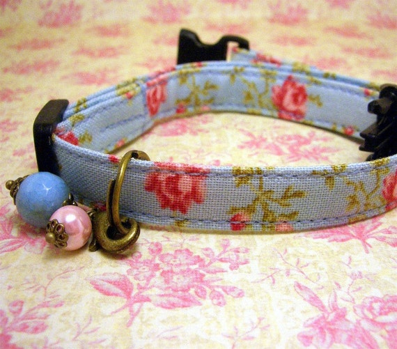 Safety cat collar - Pretty Pink Roses on a Blue background with an agate and pearl charm on antique brass
