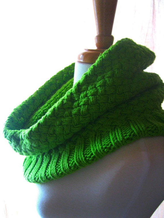 Thick Cotton Cowl - Apple Green Basketweave Loose and Comfortable Fall and Winter Fashion