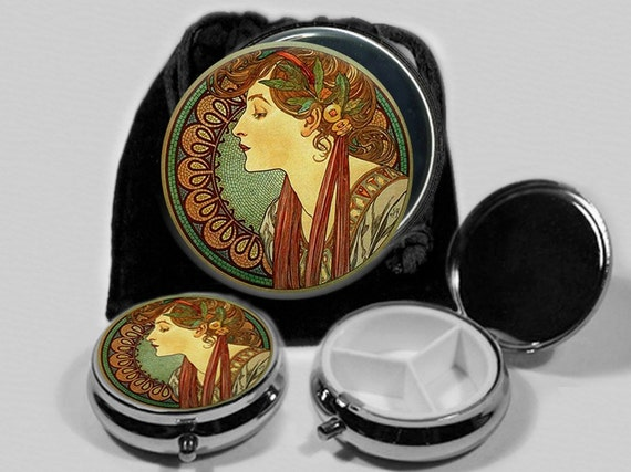 Laurel   Art Nouveau Pocket Mirror and Pill Box Set  with Black Drawstring Pouch  No. 5234