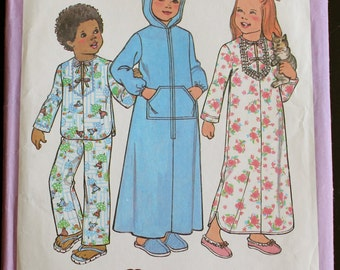 Girls 6 Vintage Sewing Pattern - Simplicity 7730 1970s Pajamas Hoodie Beach cover up Nightgown