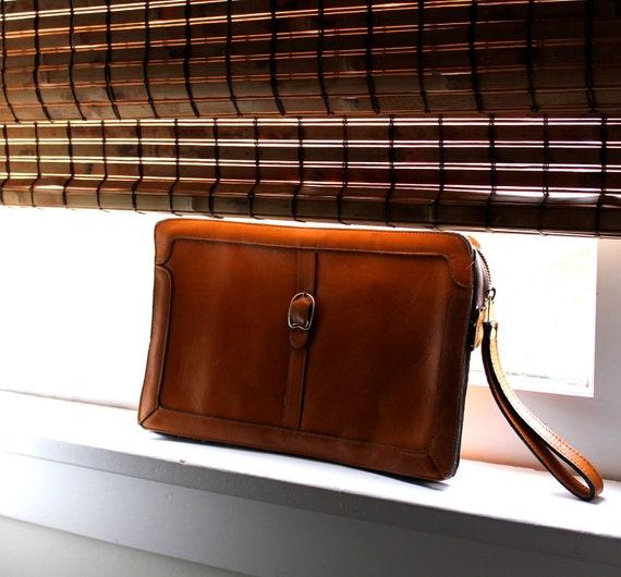 Vintage 1970s Leather Wristlet Clutch Purse - Cognac Brown Bag