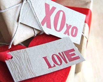 gift tags, letterpress, Valentine's Day, Mother's day LOVE & XOXO  Gift tags: - 3 'Love' 3 'xoxo', with faux bois - wood grain detail x6