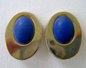 Vintage 70s Retro Mod Goldtone Electric Blue Cabochon Dome Oval Earrings