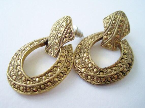 Vintage 80s Victorian Art Deco 1928 Goldtone Studded Door Knocker Earrings