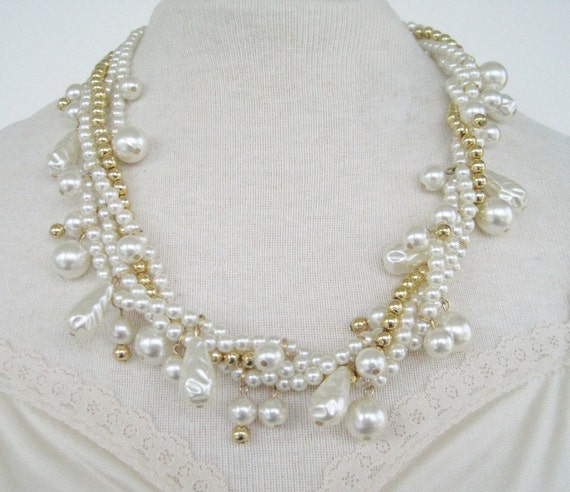 Vintage 70s Traditional Hollywood Regency Faux Pearl Goldtone Multistrand Bead Necklace