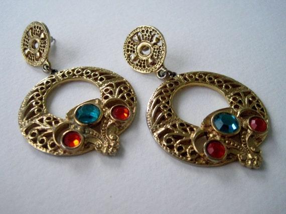 RESERVED YASMINB Vintage Early 90s Retro Hollywood Regency Goldtone Blue Red Rhinestone Open Cut Scroll Hoop Earrings