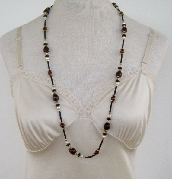 Vintage 80s Traditional Modern Signed Monet Goldtone Faux Pearl Black Garnet Bead Beaded Necklace