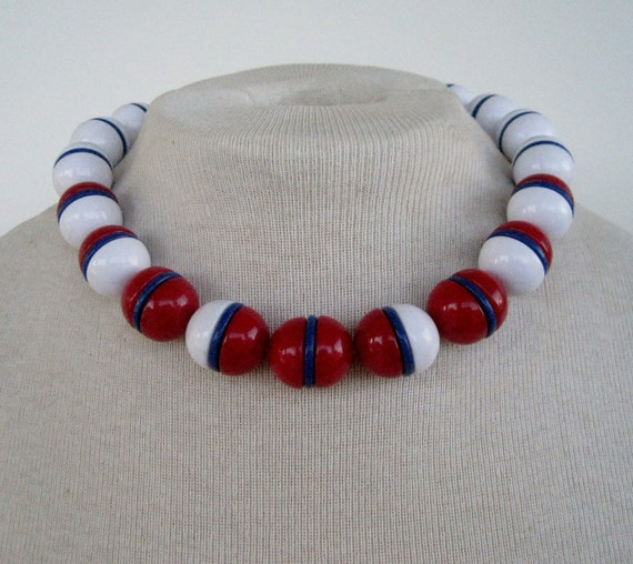 Vintage 60s Retro Nautical Patriotic Signed Monet Chunky Red White Blue Bead Beaded Necklace