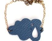Cloud bracelet in navy blue leather