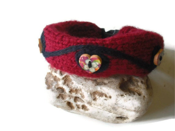 Dog Collar Cozy, Knit Dog Accessories, Dark Red with Black Felting Dog Collar