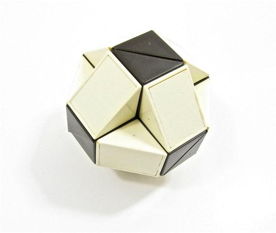 Rubiks Snake Puzzle 1980s