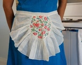 Vintage Lace Apron with Rose Pattern