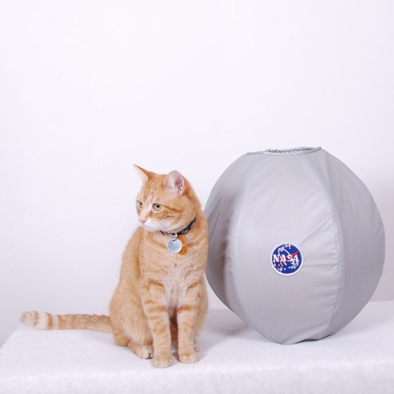 Astronaut Cat Bed