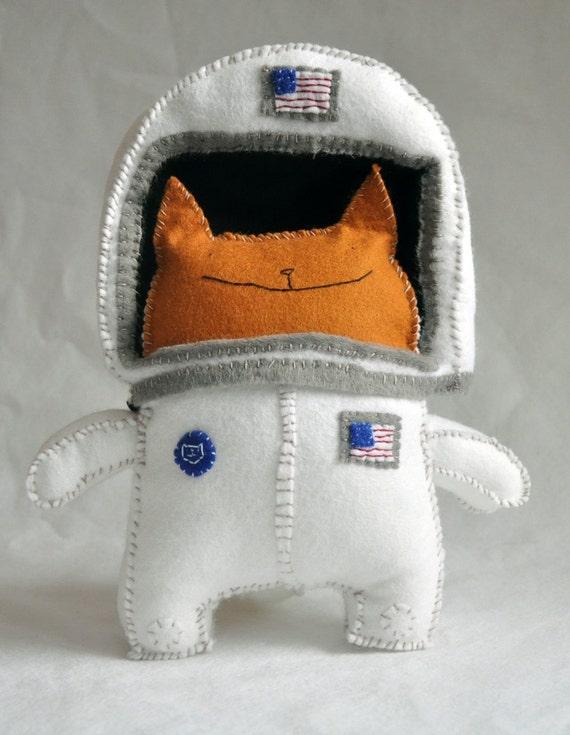 cat dressed as astronaut - photo #34