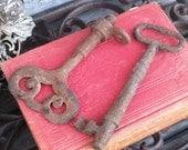 Vintage Pair of French Cast Iron Keys, Old Rustic Decorative Cast Iron Heavy Duty Skeleton Keys, Treasury Item