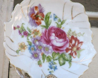 Nasco Leaf Shaped Dish - Hand painted Porcelain Plate, Wall Hanging, Leaf Plate, Candy Trinket Dish
