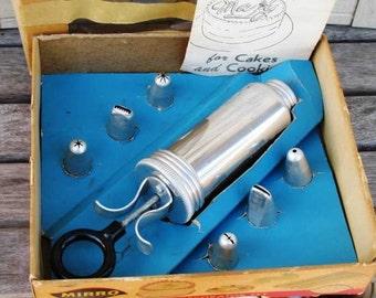 Vintage Mirro Aluminum Vintage 7pc Decorator Set 360M, Kitchen Gadget, Kitchen Tool, Cookier Decorator
