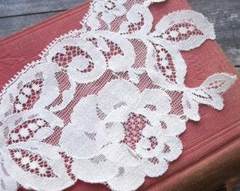 Vintage Rose Lace Trim