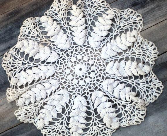 Vintage Crocheted Doily - RUFFLED Ivory, Medium, Handmade, Floral Design, Snowflake Doily, Star Shaped Doily, Table Top Doily