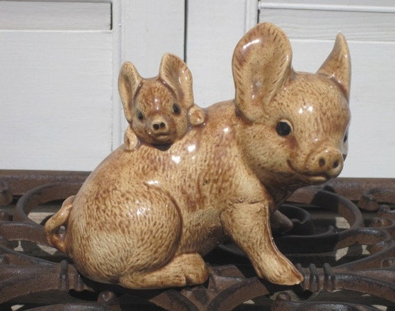 Vintage Pig Figurine Mom And Baby Pigs Figurine Pig