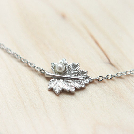A Leaf with tiny pearl Bracelet in silver
