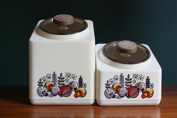 vintage kitchen storage containers vintage rubbermaid plastic kitchen storage containers with 6832